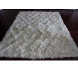 Grand tapis en peau de chevre d angora. 100831