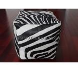 16' Pouf en peau de vache zebre. 100866