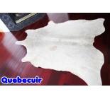 770079  cowhide rug tapis peau de vache