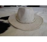 100 % Chapeau en cuir ivoire. WES 02